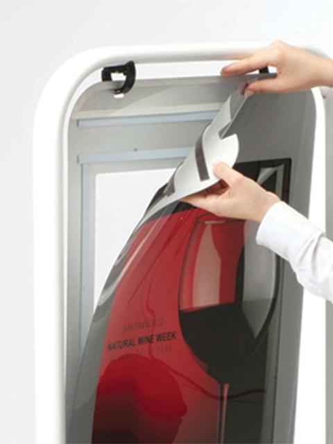 Kundenstopper Stahlrohr Swing, Kundenstopper aus Stahl, Windfester Kundenstopper, stabiler Gehwegaufsteller, Plakatwechsel