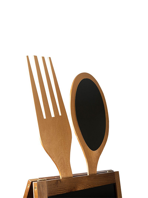 Kundenstopper aus Holz mit Löffel und Gabel, mit beschriftbarer schwarzer Kreidetafel