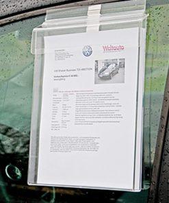 Prospektbox für Kundenstopper Anwendungsbeispiel angehängt an Autoscheibe