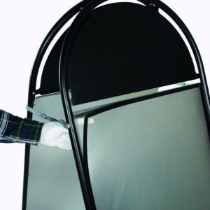 Plakatständer aus schwarzem Stahlrohr mit magnetischer Antireflex UV-Schutzfolie