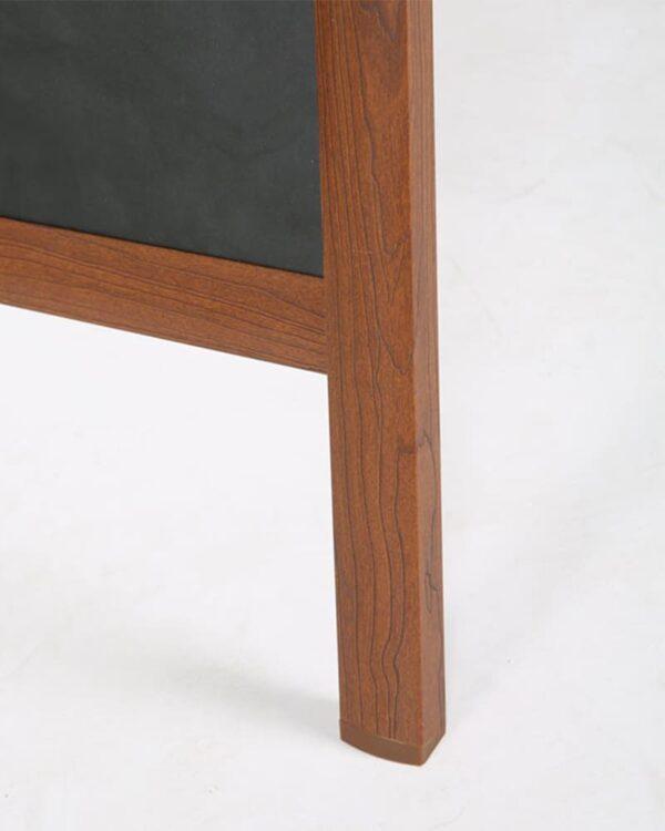 Kreidetafel Aufsteller in Holzoptik, Alu Kundenstopper in Holzoptik und rutschfesten Füssen