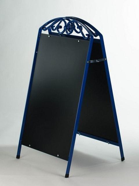 Kundenstopper Stahlrohr Antique mit schwarzer Tafel, Kundenstopper aus Stahl, massiver Kundenstopper, blau