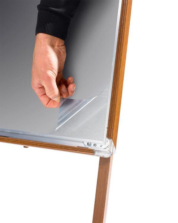 Kundenstopper Alu Classic in Holz Look und 32mm Klapprahmenprofil, Antireflex UV-Schutzfolie