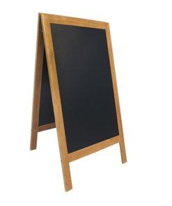 wetterfester Holz Kundenstopper in der Farbe Hellbraun, 125x70cm, Teakholz