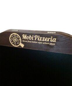 Holz Kundenstopper graviert mit Pizzeria Logo