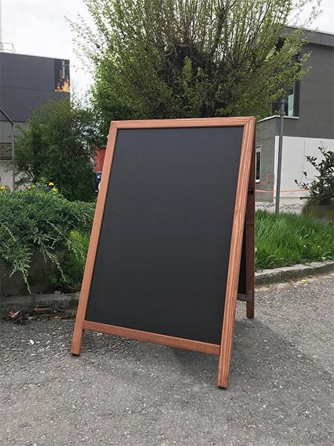 Holz Kundenstopper mit slide in Tafel, Einschubtafel austauschbar