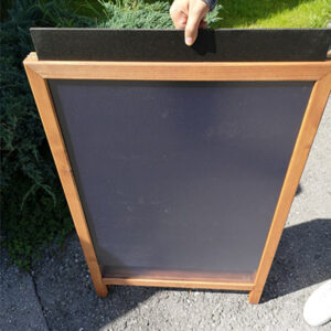 Kundenstopper mit Einschubtafel, Slide in Holzaufsteller