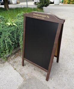 Holz Kundenstopper graviert und gebraucht, 110x65cm, dunkelbraun