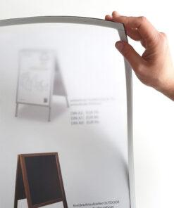 magnetische Antireflex UV-Schutzfolie für Kundenstopper & Plakatständer, Schutzfolie mit Magnetband rundum