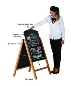 magnetischer Holz Kundenstopper mit austauschbarer Einschubtafel, Slide in Kreidetafel Kundenstopper in hellbraun