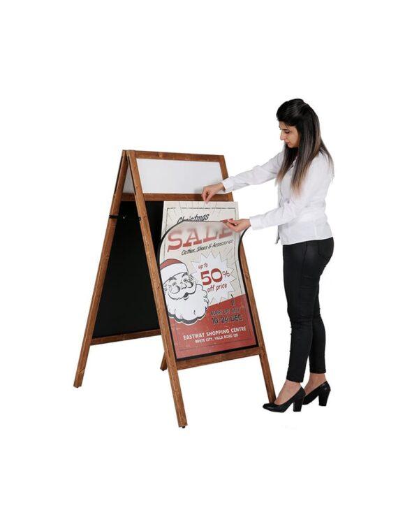 Kundenstopper DIN A1 mit Holzrahmen und magnetischer Kreidetafel
